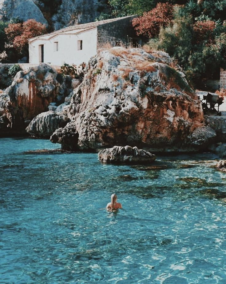 The turquoise waters of Sicily, Italy travel Solo