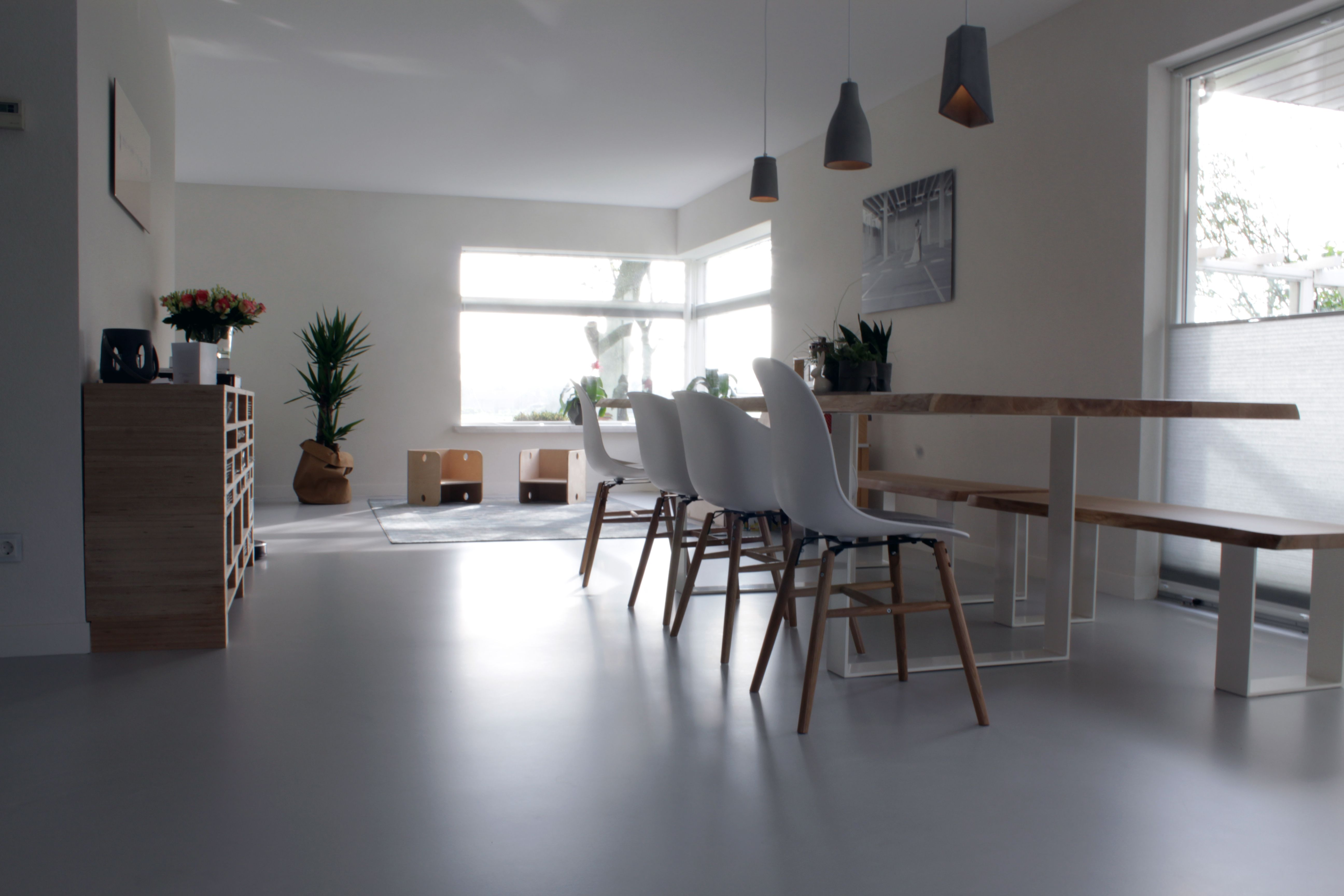 Design gietvloer in woonkamer motion gietvloeren #gietvloer