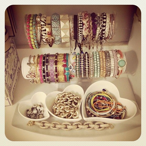 love all the bracelets and the organization J E W E L S
