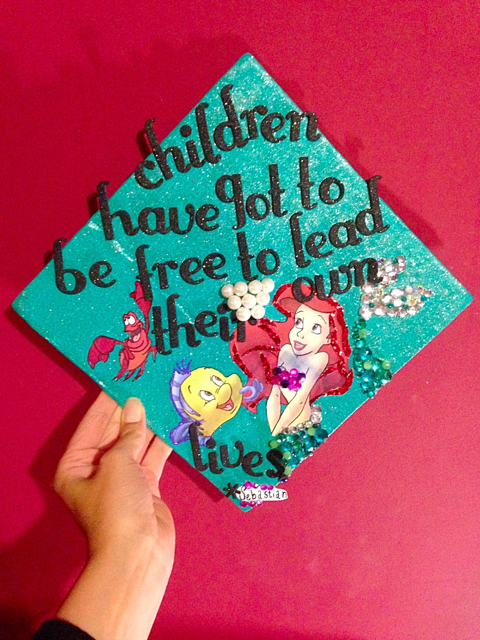 Genial Spanish Little Mermaid Graduation Little Mermaid Graduation Graduation Hats Quotes Graduation Cap Quotes