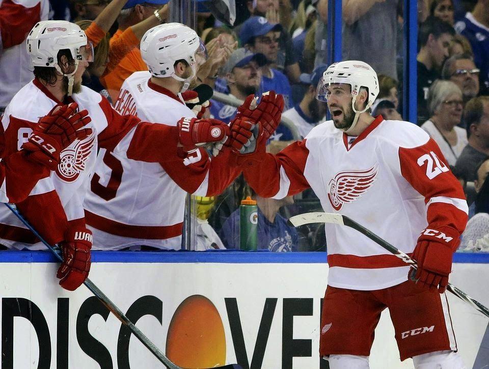 Red Wings Grinder: ECQF Game #5 - Red Wings @ Lightning 4:0 - huge vi...