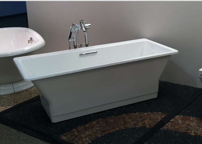Bathtub Kohler The Model Is Very Simple But Still Stylish Elements Capable Of Delivering On The Shower Durable And Ex Bathtub Design Small Toilet Modern Toilet