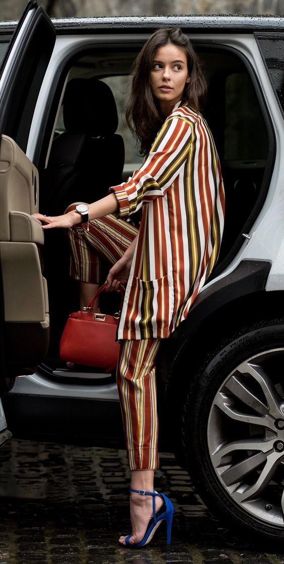 Como Usar um Look com Listras Coloridas - Gabi May