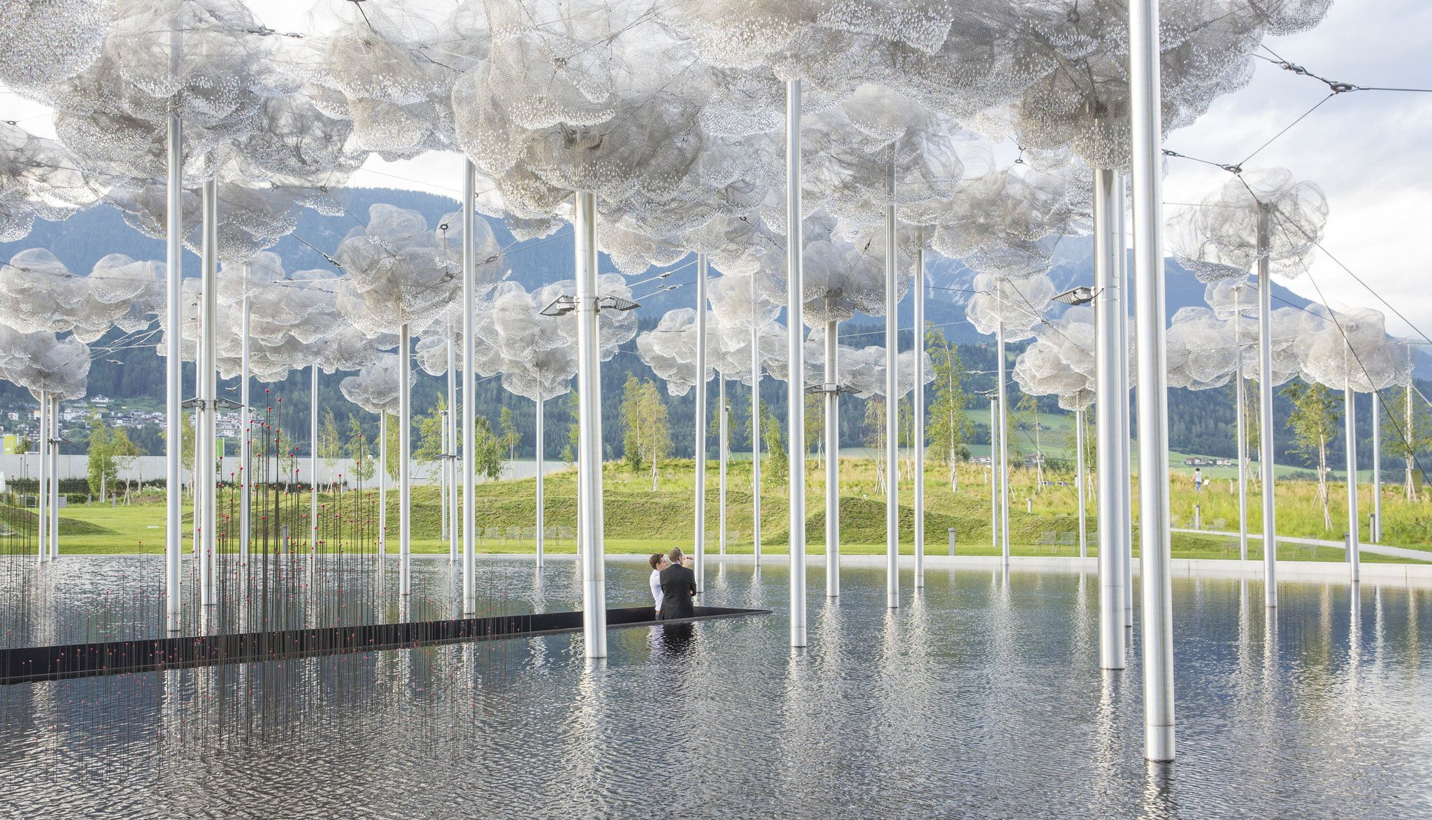 Serena Infantil Imaginativo  Swarovski, Maker of All Things Bejeweled, Tries On a Hoodie (Published 2016)  | Artistic installation, Swarovski crystal world, Installation