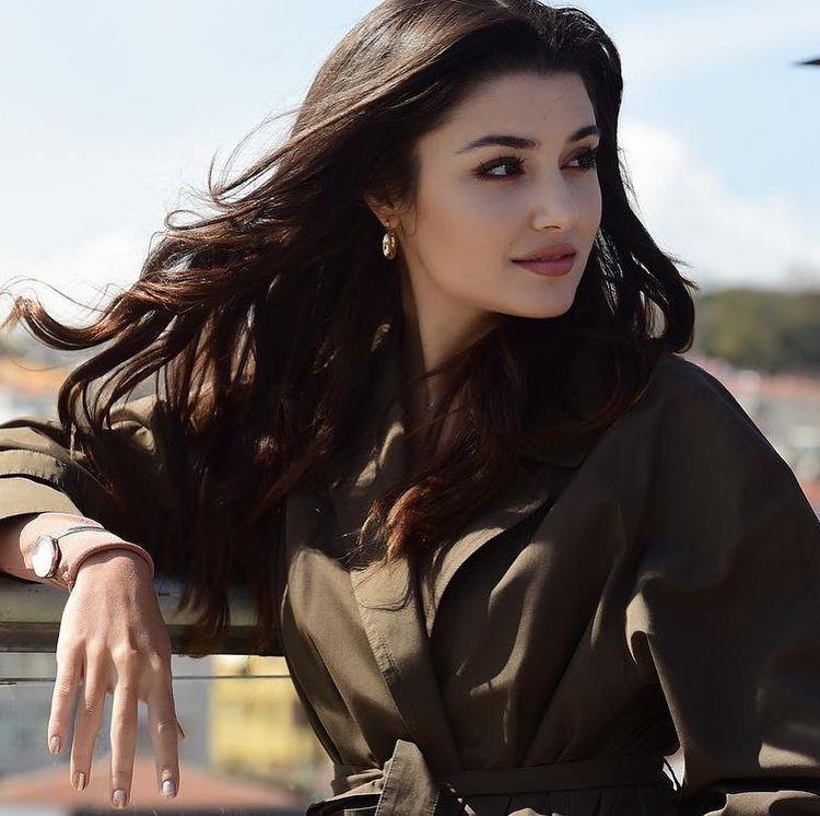 Pin By Bahar2123 On Hande Ercel Beautiful Girl Face Prity Girl Beauty Full Girl