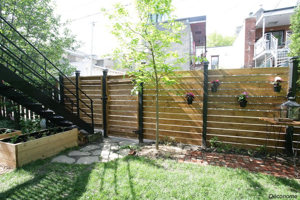 Comment on a construit notre clôture en bois horizontale Backyard