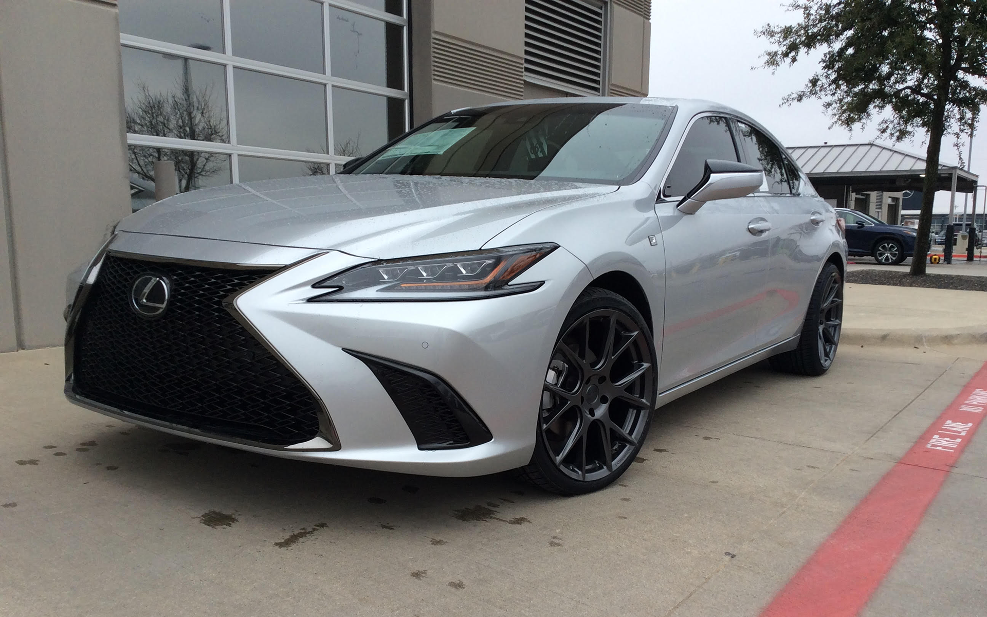 2019 Lexus ES350 Fsport with 20x9 front and 20x10.5 rear