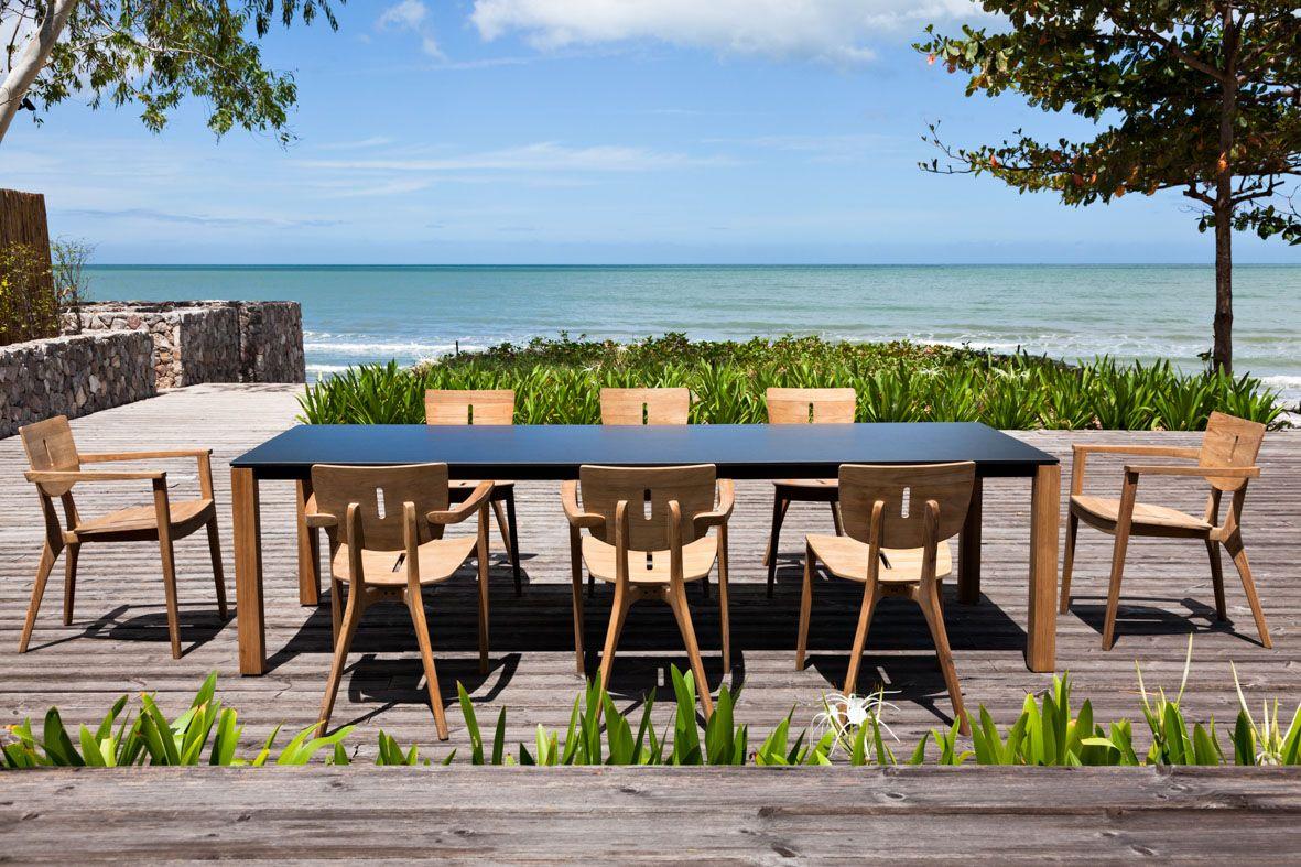 MACHAR de Mark gabbertas, une table au design minimaliste