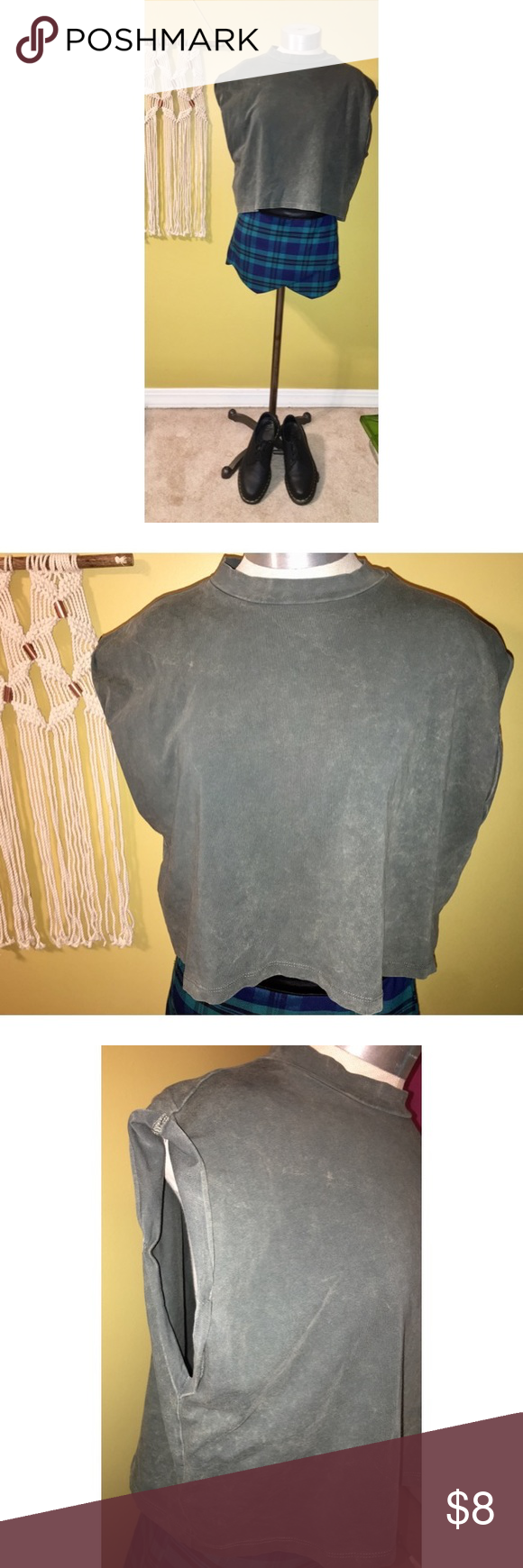 H&M acid wash crop top Green acid wash crop top by Divided from H&M in size medium. Has cap sleeves that are rolled up. In like new condition! Make an offer or add to a bundle! 💞 H&M Tops Crop Tops