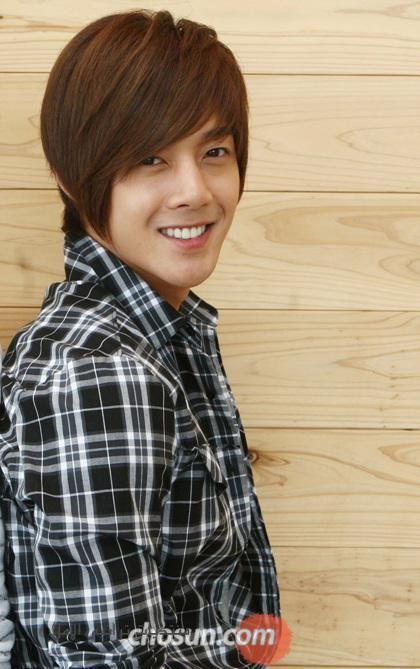 الممثل كيم جونغ هيون