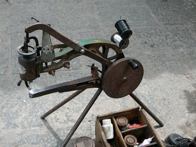 I gotta make one of these!!! Manual operated leather sewing machine