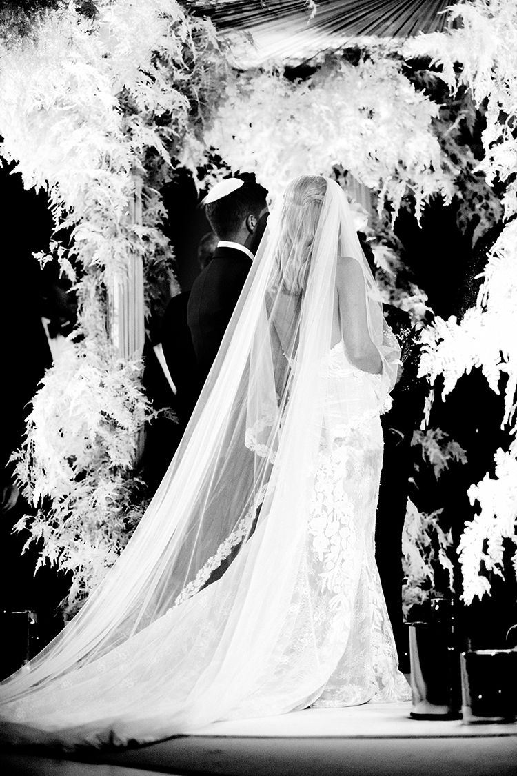 A galia lahav bride for a super luxe jewish wedding with an epic