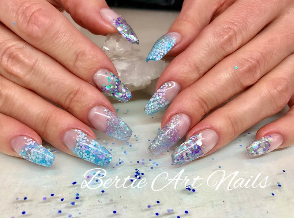 Nothing blue about these beauties...     Nails by Bertie  #bertieartnails    #crystalclawz #bestgelbrand #glitternails #confetti #nailaddict #naillove #nailbling #lovedoingnails #nailjunkie #nail #nails💅