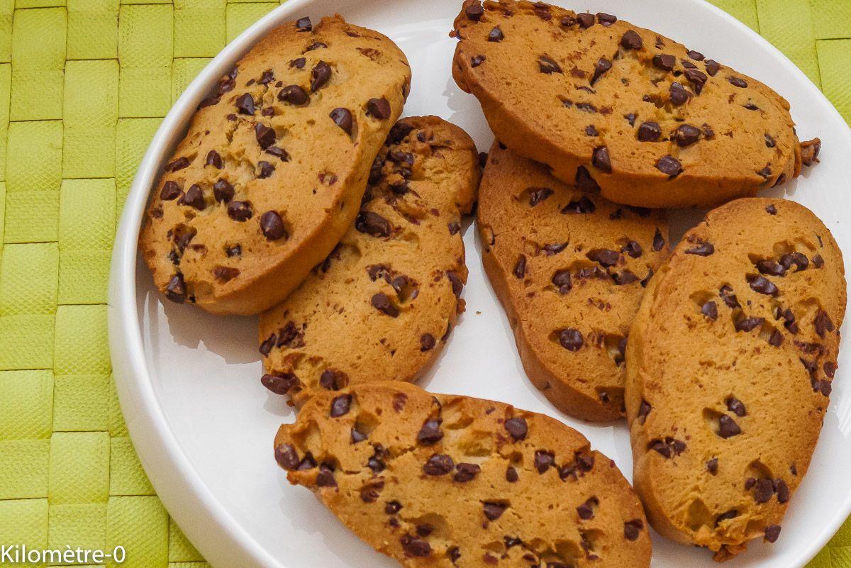 Ma recette de cookies :-) Un petit clin d'oeil à Karl pour qui je les ai faits et qui a cette recette affichée en permanence sur son placard de cuisine ... le plus beau des compliments ^^