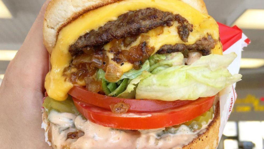 The 17 best burgers in Los Angeles | Eater LA | Best burger