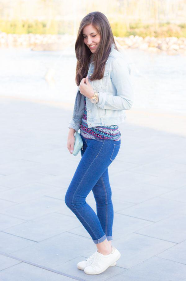 look con jeans y zapatillas blancas #kissmylook