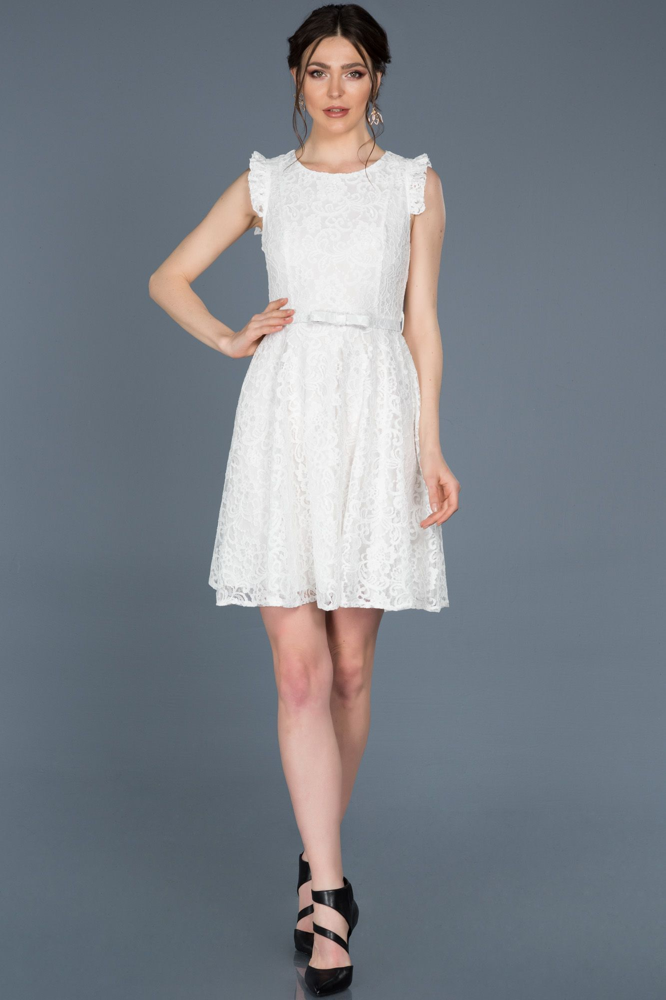 Kisa Beyaz Gupurlu Mezuniyet Elbisesi Abk454 2020 Elbise Modelleri Elbise The Dress