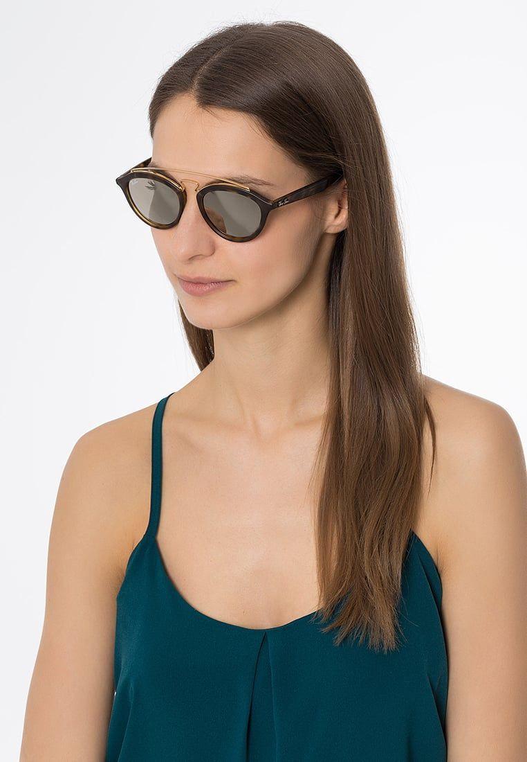 Consigue este tipo de gafas de sol de Ray-ban ahora! Haz clic para ... ba5d2f92c2