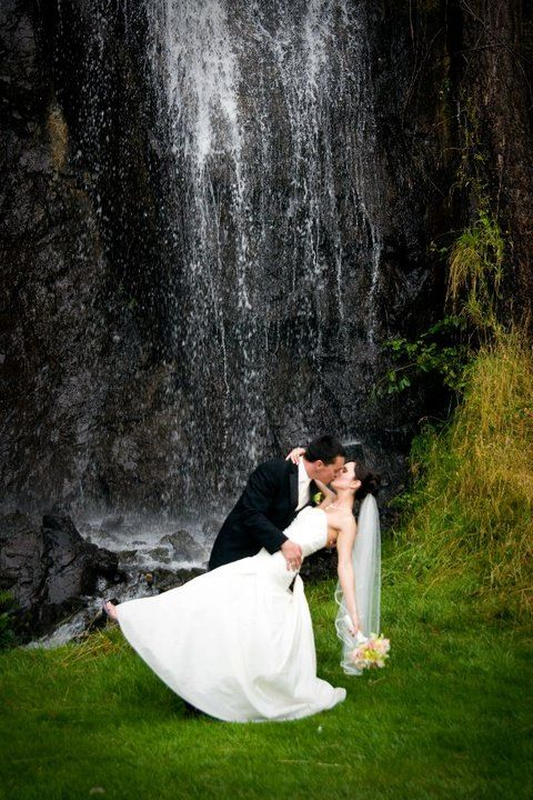 Olympic View Golf Course Has An Amazing Water Fall For Pictures Victoria Wedding Vancouver Island