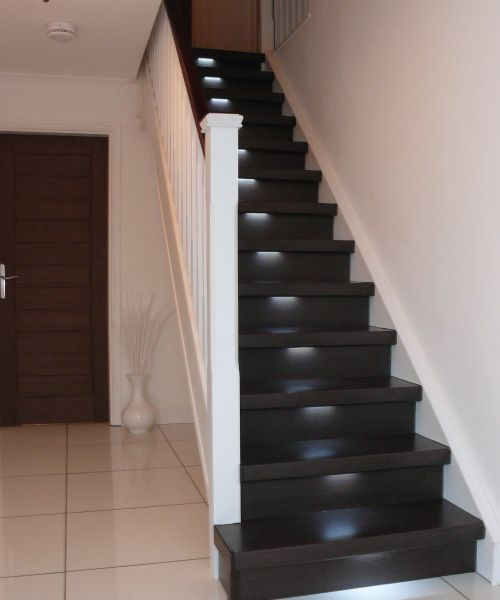 Best Contemporary Wooden Staircases From James Grace Wooden 400 x 300
