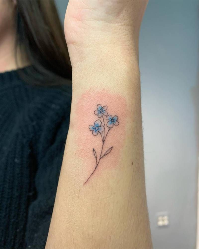 Subtle Forget Me Not Flower Tattoo On The Wrist Tattoos Flower Tattoo Cute Tattoos