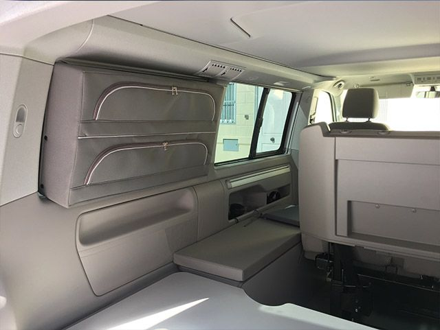 Maleta para ventana trasera | Camperizar furgoneta, Ventanas