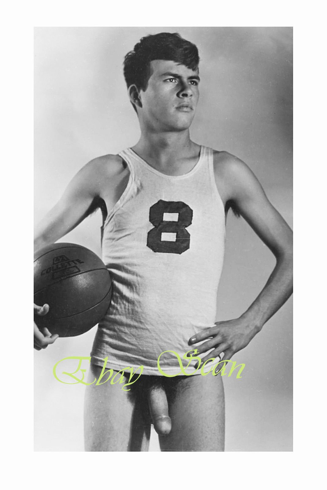 VINTAGE 1940's PHOTO HANDSOME NUDE MAN POSES WITH BASKETBALL GAY INTEREST 73