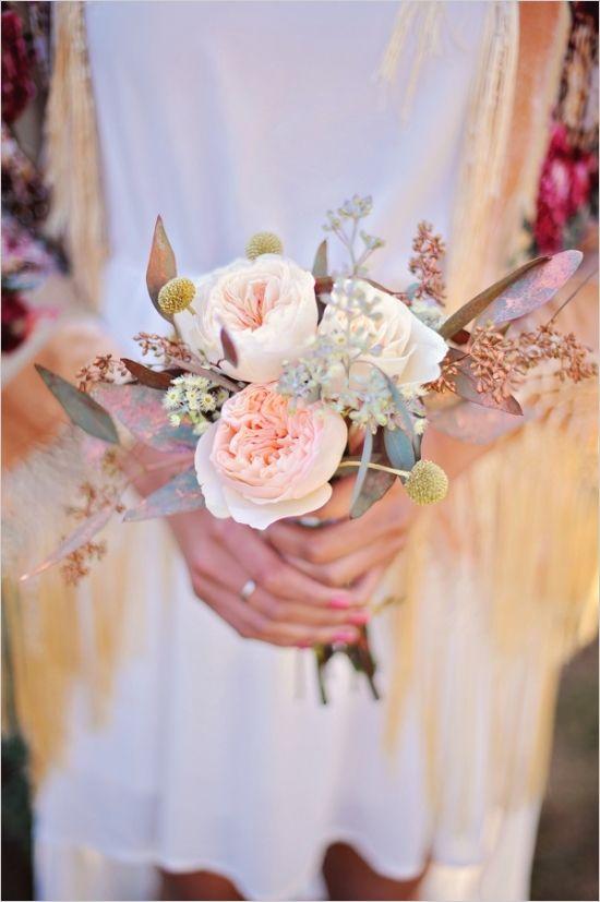 blush and cream bridesmaid bouquet #bouquet #bridesmaid #weddingchicks http://www.weddingchicks.com/2014/04/04/sun-kissed-romantic-wedding/