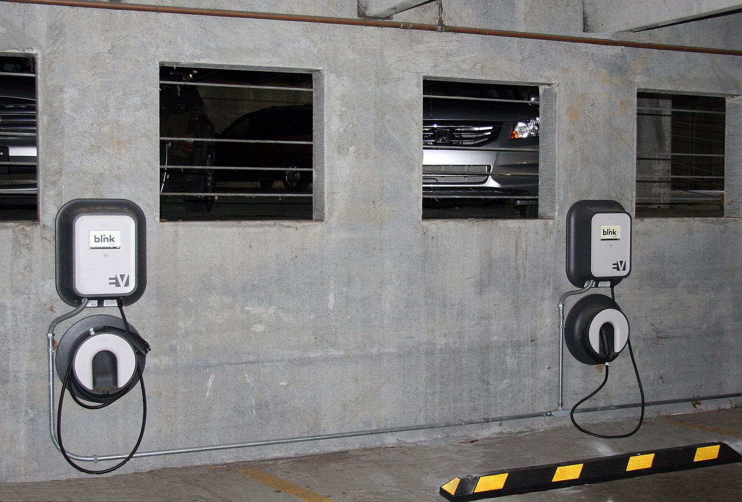 Blink Charging Stations >> Gatlinburg Installs Blink Charging Stations For Electric