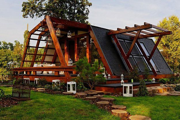 15 Incredible Self Sustaining Homes For Your Homesteading Passion Eco House Design Sustainable Home Eco House
