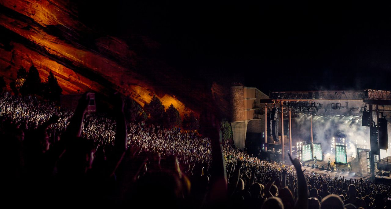 Nine Inch Nails live, North America, summer 2014. Photos by Rob ...