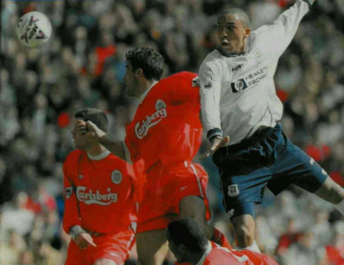 Liverpool 3 Tottenham 2 in May 1999 at Anfield. Chris Armstrong heads wide #Prem
