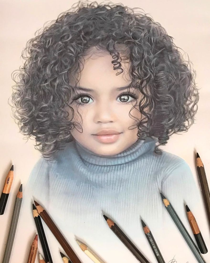 Artist Makes Amazing Hyper Realistic Drawings Using Only Colored