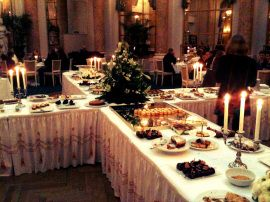 Hotel D'Angleterres kagebord første søndag i hver måned. Onde onde kagedrømme
