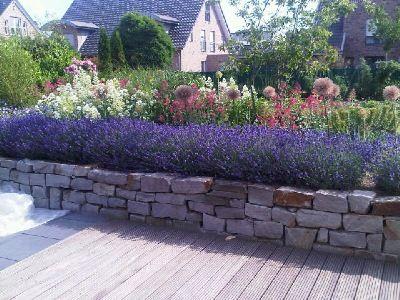Trockenmauer - Lavendel Garten Deko basteln Pinterest - steinmauer garten mediterran