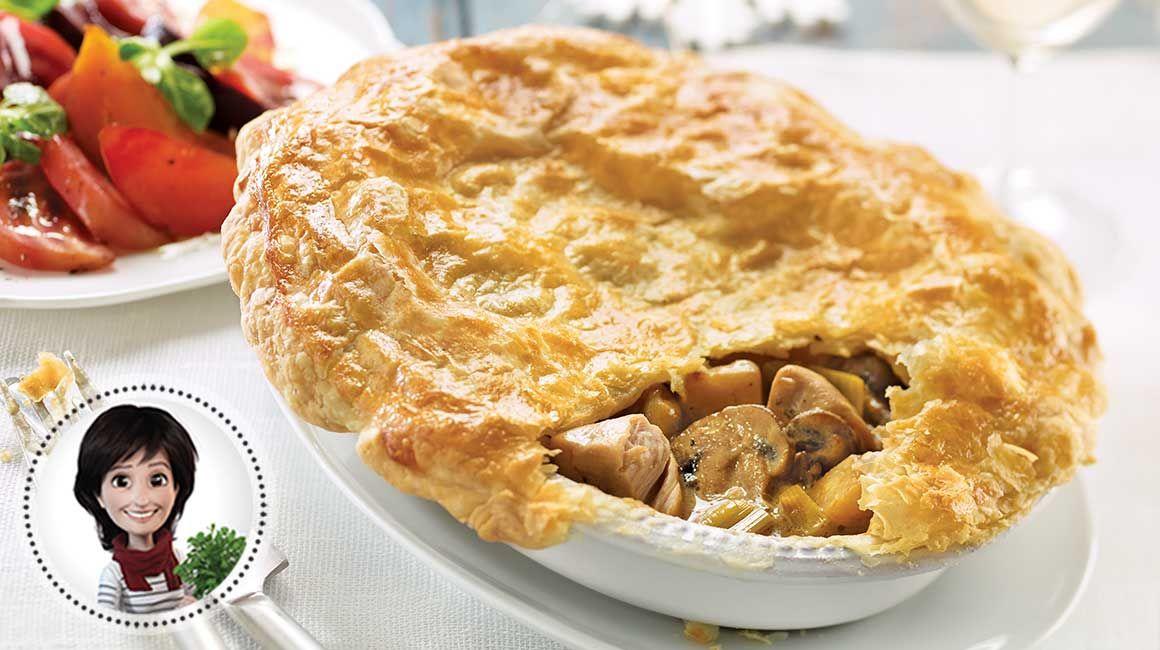 Essayez cette recette de tourte aux poireaux, aux champignons et au dindon de Josée di Stasio