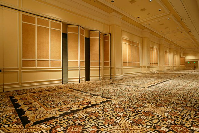 Modernfold manufactures Modernfold Operable Partitions Moveable Glass Walls and Accordion Doors. & Modernfold Operable Partitions - Acousti-Seal® 912/932/932FS/Encore ...