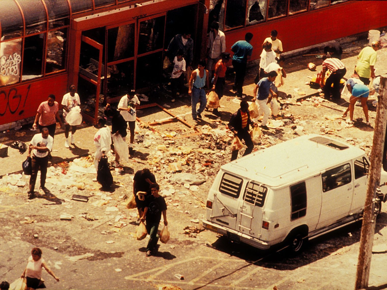 A Map Guide The Major Events And Places That Shaped One Of The Biggest Episodes Of Civil Unrest I Los Angeles History Los Angeles Los Angeles Police Department