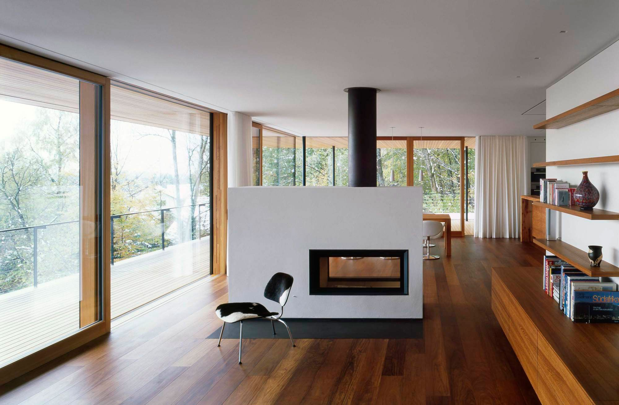 room - Living Room With Fireplace In Middle