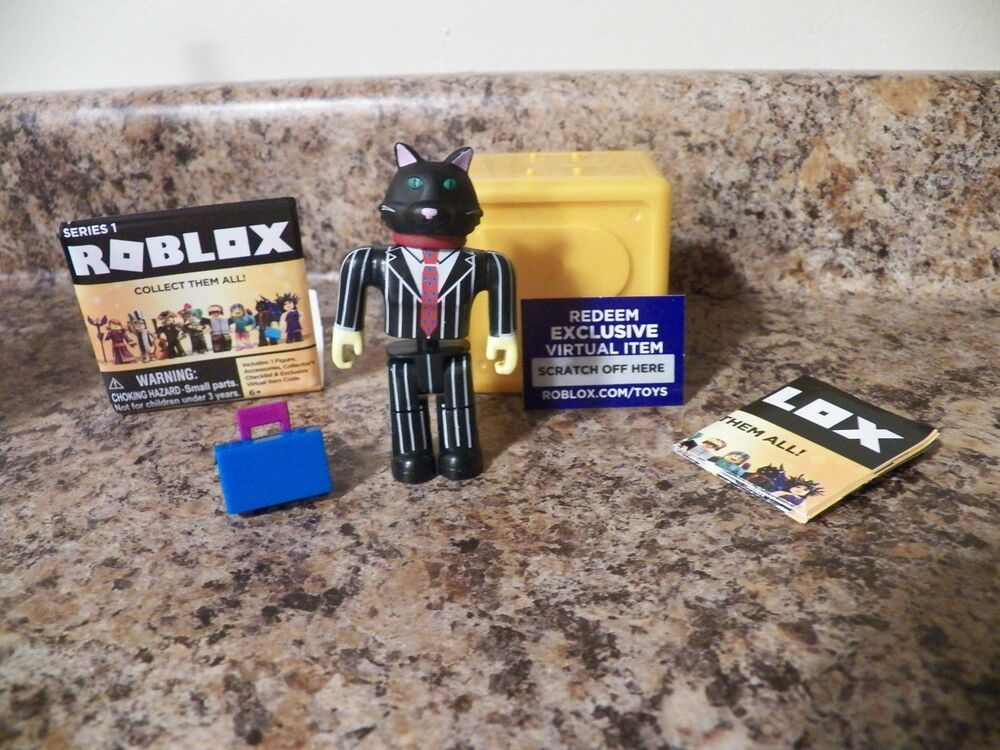 Roblox Toy Virtual Codes Business Cat Roblox Celebrity Gold Series 1 Rare 3 Figures W Virtual Code Jazwares Roblox Business Cat Virtual