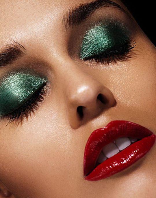 Perfect Red Lip Red Lipstick Makeup Eye Makeup Disco Makeup