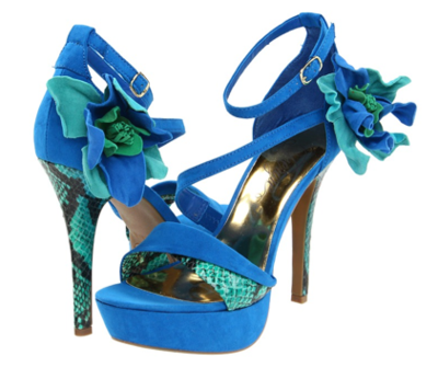 Who said that green and blue are not going together? Amazing