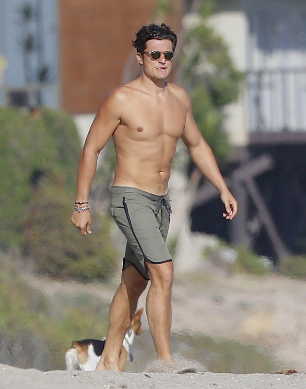 Orlando Bloom Looks Super Hot in New Shirtless Beach