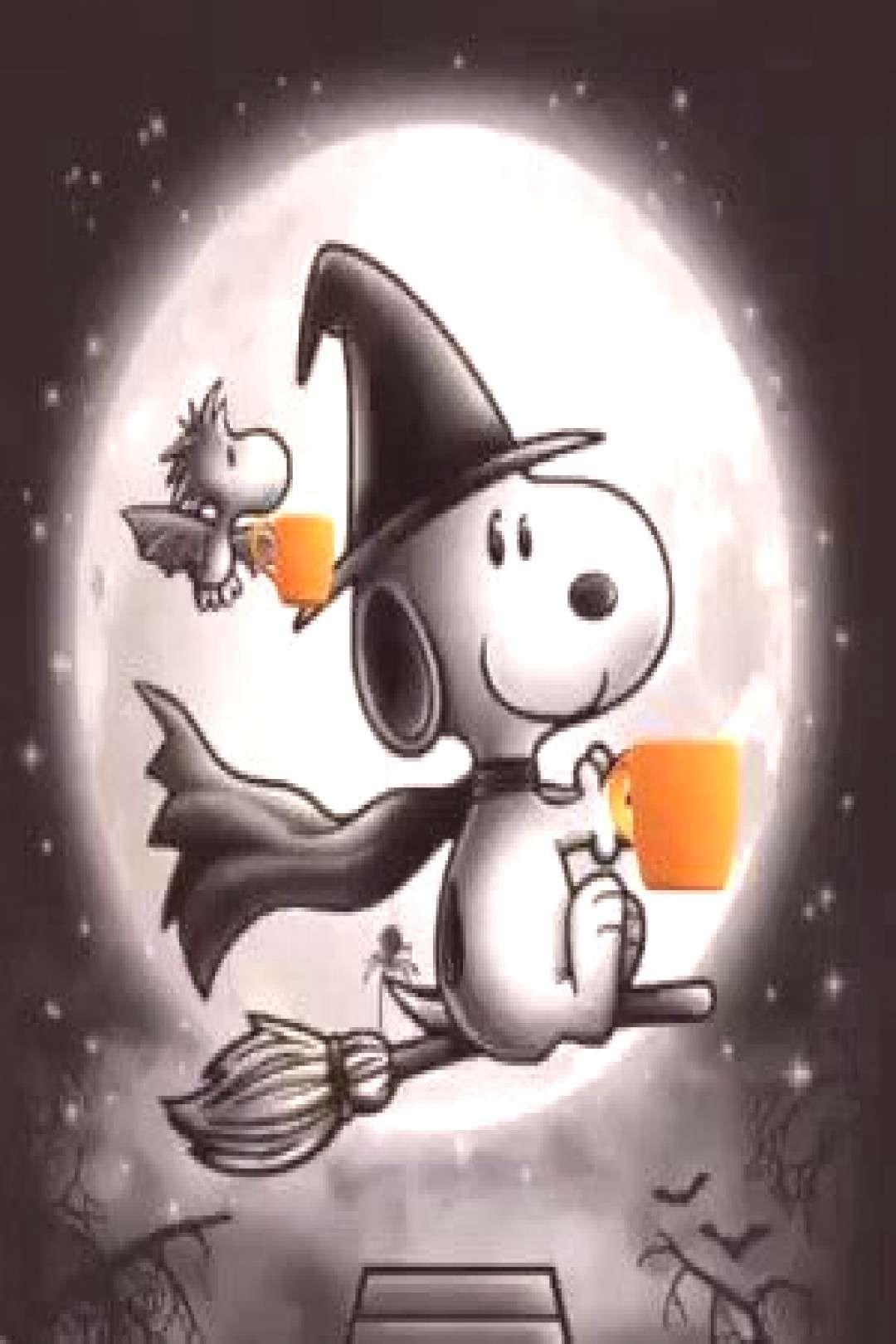Snoopy & Woodstock celebrating Halloween.Snoopy in 2020