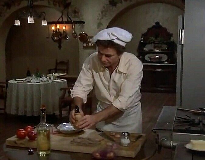 Pin By Juliawebb On Columbo Tv Show Columbo Peter Falk Peter Falk Columbo