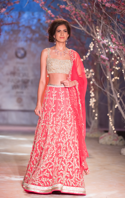 Lengha by Jyotsna Tiwari | Mohabbatein | Pinterest | Crear, Nuevas y ...