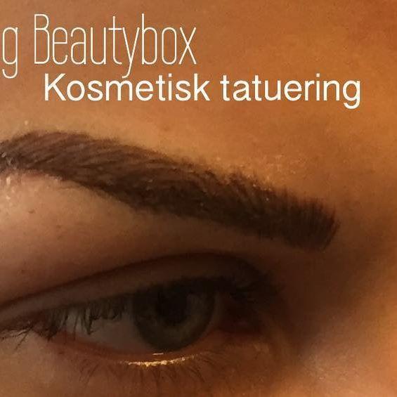 Färska nytatuerad ögonbryn, en av dagens behandlingar ✨ #salongbeautybox #permanentmakeup #kosmetisktatuering #ögonbryn #ögonbryn3d #bokadirekt