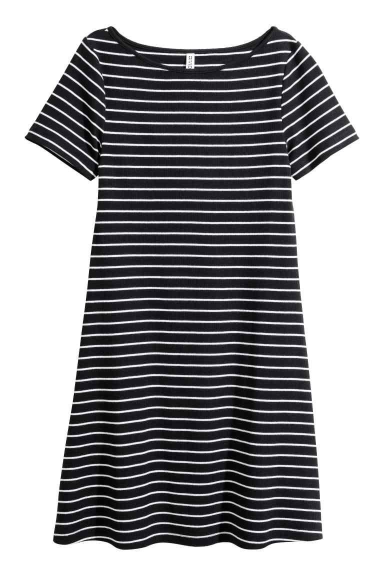 5e9596d1673 Rochie de jerseu reiat - Negru/cu dungi - FEMEI   H&M RO 1. Ribbed jersey  dress - Black/Striped ...