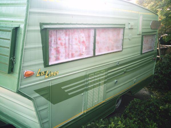 Crat Low Green Image 1 With Images Vintage Camper Travel Trailer Vintage Trailers