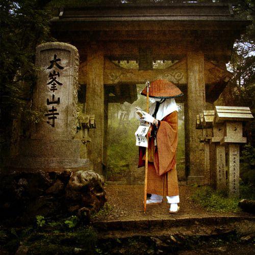 crazyoverjapan:  Japanese Shrine by violscraper on Flickr.